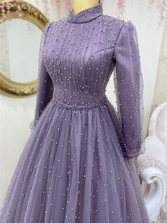 Hijab Evening Dress, Hijab Dress Party, Hijab Style Dress, Modest Fashion Hijab, Muslim Fashion, Evening Dresses, Fashion Dresses, Floral Homecoming Dresses, Prom Dresses With Sleeves