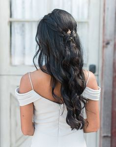 11 Seriously Chic Bridesmaid Hair Ideas for Your Non-Basic W.- 11 Seriously Chic Bridesmaid Hair Ideas for Your Non-Basic Wedding Party 11 Seriously Chic Bridesmaid Hair Ideas for Your Non-Basic Wedding Party - Square Face Hairstyles, Hairstyles With Bangs, Cool Hairstyles, Hairstyle Ideas, Hairdo For Long Hair, My Hair, Next Day Hair, Blonde Layers, Braided Half Updo