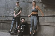 Gain inspiration and ideas for workout outfits. Ideal for gym wear, outdoor training, weight lifting and even competitions, as well as your off-duty style and everyday lifestyle Grey Vest, Fitness Apparel, Gym Style, Gym Leggings, Workout Outfits, Gym Wear, Sport Wear, Weight Lifting, Gain
