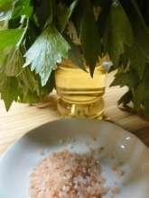 Jak uchovat libeček na zimu   recept na domácí polévkové koření Korn, Palak Paneer, Risotto, Grains, Beef, Ethnic Recipes, Ox, Steak