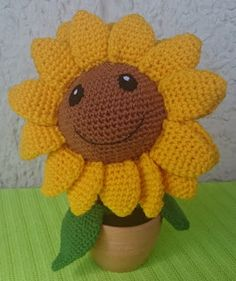 """Sonnenblume Für diese Anleitung habe ich mir die englische Anleitung von """"Sabrina's Crochet"""" http://www.sabrinasomers.com/free-cro..."""