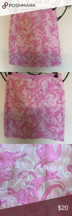 On Board Kangaroo Easter Skirt VGUC due to age. No rips, tears, stains to note. Lilly Pulitzer Skirts