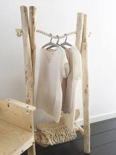 Boomstam kledingrek | Huis & Grietje via Kinderkamerstylist.nl