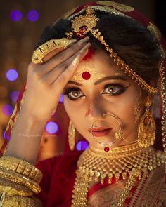 Bengali Bridal Makeup, Bridal Makeup Looks, Indian Bridal Fashion, Bride Makeup, Bengali Bride, Bengali Wedding, Hindu Bride, Malayali Bride, Bridal Makeup Pictures