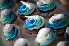 Hawaii wedding cupcakes, ocean themed - image by Dave Miyamoto