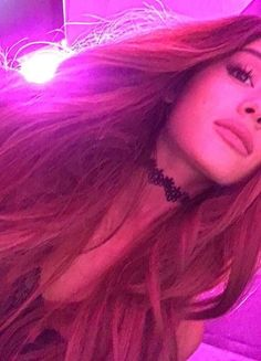 Ariana grande omg 😮 she is so PRETTY and gorgeous Ariana Grande Fotos, Ariana Grande Images, Cabello Ariana Grande, Ariana Grande Wallpaper, Dangerous Woman, Cat Valentine, My Idol, Queens, Celebs