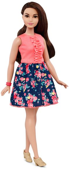 Curvy Barbie !!! yeyyeee!!! i love her! this will be my first barbie i'm gonna own .really,look at her!!!<3