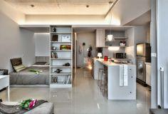 QUEM ama ver quitinetes, quem? Eu adoooooro e tenho certeza que muitos de vocês também curtem. Vejam este pequeno apartamento de 32m² de...