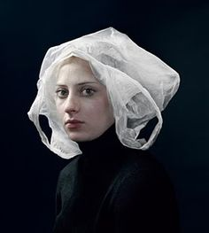 I think there is a trend in portrait photography to light its subjects like the paintings of old Dutch masters like Vermeer. This photo by H. Tableaux Vivants, Photocollage, Contemporary Photographers, Famous Contemporary Artists, Old Master, Art History, Portrait Photography, Object Photography, Landscape Photography