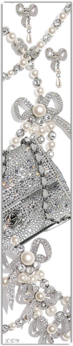 Luxe Boutique, Bling, Jennifer Lopez, Her Style, Beauty Makeup, Bracelets, Necklaces, Chanel Pearls, Chic