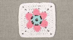 The Meadow Mystery Blanket CAL by DROPS design. Flower square 1: Anemone - free crochet pattern and video. Details and links on Ravelry here: http://www.ravelry.com/patterns/library/the-meadow-mystery-blanket-cal