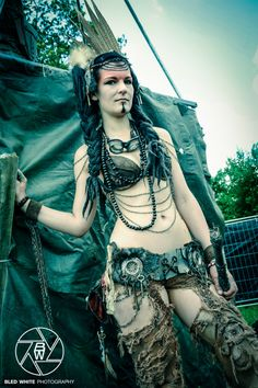 Wasteland Warriors Showact at Wacken 2013 Model: Laura Photographer: Bled White Photography / Julien Zannoni www.bledwhitephotography.wordpress.com A Wasteland-Warriors post apocalyptic project - w...