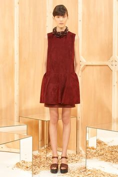 Sportmax Pre-Fall 2015 | burgundy and brown united in an outfit that also combines plastic, leather and suede. Cosy fall <3