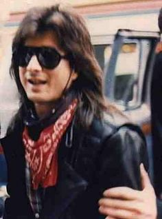 Caught ya, mid 80's bandana boy...Steve Perry