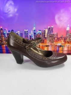 Womens shoes NATURALIZER Jatin brown leather studded Mary Jane pumps sz 6 M