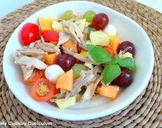 Salade de poulet rôti au raisin, melon, mangue, tomates cerises.... et mozzarella