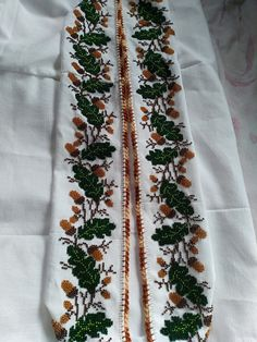 Embroidery Fashion, Floral Tie, Diy And Crafts, Cross Stitch Art, Dots, Cross Stitch