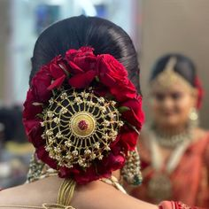 (C) Sheetal J. Ghadiya   Hair bun for Indian brides   Hair accessories for brides   #hairstyles #accessories #accessory #bridetobe #indianbride #bride #bridalinspiration #indianfashion #bridalfashion #wittyvows Indian Bridal Hairstyles, Bride Hairstyles, Bride Hair Accessories, Bridal Style, Indian Fashion, Brides, Marriage, Hair Beauty, Style Inspiration