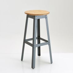 Hiba Industrial Look Stool, Height 75 cm La Redoute Interieurs : price, reviews and rating, delivery. Hiba industrial look stool, height 75 cm. The Hiba stool boasts a genuinely authentic look with a very retro edge and looks great around a high table, at a bar or just as additional high seating. Features of Hiba industrial stool: Steel frame with grey lacquered epoxy finish. Foot rest. Seat in solid pine, oak-stained, waxed finish. Size of Hiba industrial stool: Overall size: Width 35 cm…