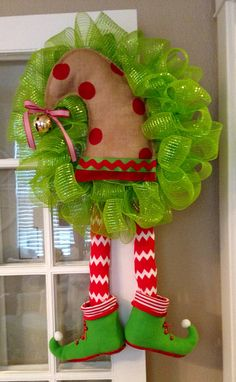 Elf Wreath Deco Mesh by BsHandmadeItems on Etsy by carlani Wreath Crafts, Diy Wreath, Christmas Projects, Holiday Crafts, Wreath Ideas, Christmas Ideas, Diy Crafts, Deco Mesh Wreaths, Holiday Wreaths