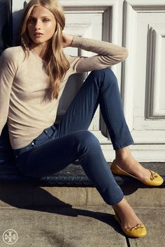 42 Stylish Skinny Jeans and Ballet Flat 25 Cheer Up Sleepy Jean tory Burch Chelsea Ballet Flat 1 Style Simple, Style Me, Classy Style, Style Hair, Capsule Wardrobe, Everyday Fashion, Autumn Winter Fashion, Tory Burch, Cute Outfits