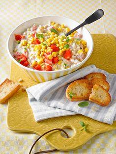 Maissalat mit rotem Paprika und Sauerrahmdressing