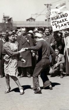 Striking Workers Dance on Picket Line (USA)