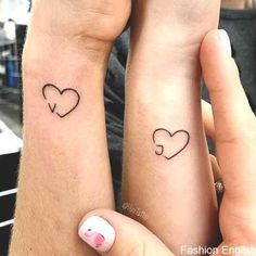 matching tattoo 42 Coolest Matching BFF Tattoos That Prove Your Friendship Is Forever Tattoos Friends, Tatoo Best Friends, Cute Best Friend Tattoos, Matching Best Friend Tattoos, Cute Couple Tattoos, Bestie Tattoos Bff, Bestfriend Tattoo Ideas, Matching Tattoos For Sisters, Couples Matching Tattoos