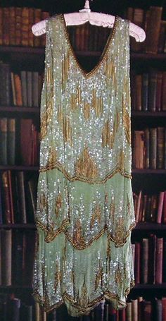"""""""The Fantastic - what appears like pomp and luxury is connected with lavish life style, exuberant parties Gatsby Girl, Gatsby Dress, 1920s Dress, Roaring 20s Fashion, Great Gatsby Fashion, Roaring Twenties, 1920s Outfits, Vintage Outfits, Vintage Fashion"""