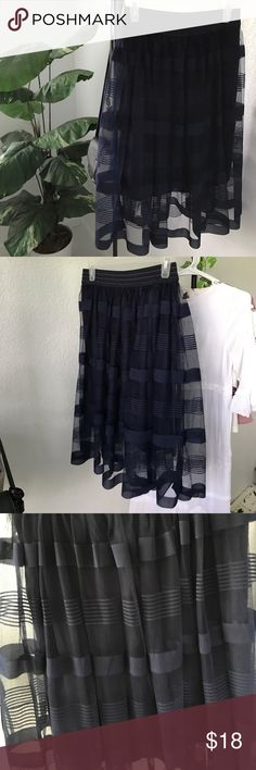 • stripped tulle skirt • Hardly worn and in perfect condition :) Metro Wear Skirts Midi