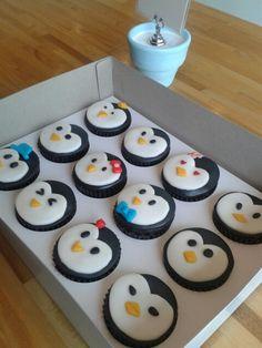 my penguin birthday cupcakes ❣ ❥ ღ ɞ ❤