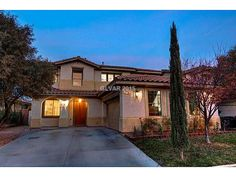 HOMES FOR SALE | Spacious Summerlin home for $374,900 4 Bed | 3 Bath | 2576 Sq Ft Visit our website for more information! http://www.lifestylesoflasvegas.com/homes-for-sale/NV/Las_Vegas/89135/3716_HONEY_CREST_DR/99_1593689/