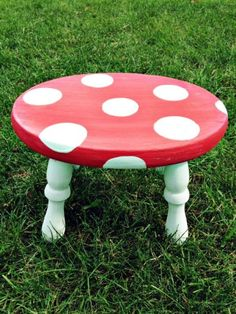 Diy Hand Painted Mushroom Stool Makeover Diy Hand Painted Mushroom Stool Makeover Turn An Old Foot Stool Into Something Magical When You Give This Hand Painted Mushroom Stool Tutorial A Try Diy Kid S Room Decor Painting Kids Furniture, Diy Kids Furniture, Hand Painted Furniture, Diy Painting, Upcycled Furniture, Furniture Movers, Pallet Furniture, Furniture Design, Stool Makeover