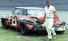 Nascar Crash, Nascar Race Cars, Old Race Cars, Nascar Wrecks, Chevy, Dirt Racing, Auto Racing, Pontiac Catalina, Vintage Race Car