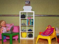 Tavolino e libri per Barbie