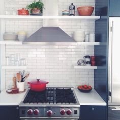 New kitchen wall red open shelves Ideas Kitchen Fan, Kitchen Wall Tiles, Kitchen Stove, Kitchen Corner, Kitchen Shelves, Kitchen Redo, Kitchen Flooring, Rustic Kitchen, Kitchen Remodel