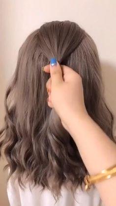 Hair Up Styles, Medium Hair Styles, Bun Hairstyles For Long Hair, Kawaii Hairstyles, Bridal Hair Buns, Hair Videos, Hair Looks, Hair Inspiration, Hair Makeup