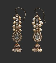 Diamond earrings and pearl supports late century. Diamond pearls gold emeralds and enamel. Private Collection New York India Jewelry, Pearl Jewelry, Fine Jewelry, Dainty Jewelry, Boho Jewelry, Handmade Jewelry, Ancient Jewelry, Antique Jewelry, Vintage Jewelry