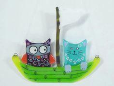 The owl and the pussycat went to sea in a beautiful pea green boat. Love this !