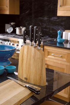 Buy Richardson Sheffield V Sabatier 5 Piece Knife Block at Argos. Thousands of products for same day delivery or fast store collection. Global Knives, Forged Knife, Chef Knife, Argos, Sheffield, Knife Block, Steel, Canning, Blade