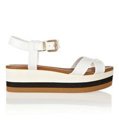 Des sandales compensées