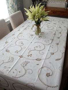 """Large Vintage HAND Embroidered Lace Linen Tablecloth 93"""" x 65"""""""