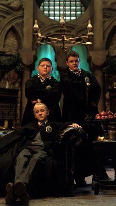 Draco and minions Estilo Harry Potter, Saga Harry Potter, Mundo Harry Potter, Harry Potter Icons, Harry Potter Draco Malfoy, Harry Potter Tumblr, Harry Potter Pictures, Harry Potter Characters, Harry Potter World