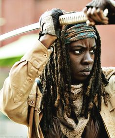 """Michonne 4x16 """"A"""" GET EM BABE!!!!! *cheers wildly while cowering behind Michonne*"""