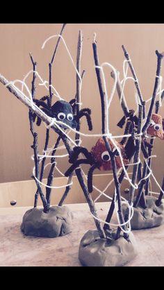 Diy Deco Halloween, Theme Halloween, Halloween Crafts For Kids, Halloween Games, Happy Halloween, Autumn Crafts, Nature Crafts, Magazine Crafts, Nature Activities