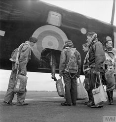 Ww2 Aircraft, Military Aircraft, Modern History, History Pics, Handley Page Halifax, Battle Of Britain, World War Two, Armed Forces, Yorkshire