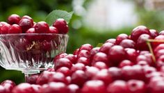 To our fans out there....  What do you do to fight inflammation?  Some natural remedies include: 1. Fish Oils 2. Enzymes  3. Tart Cherries 4. Boswellia 5. Curcumin  Mens Fitness  wrote an article on how to fight inflammation.  Check it out.   http://www.mensfitness.com/nutrition/what-to-eat/tart-cherries-may-fight-chronic-inflammation