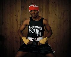 'marvelous' bob nsingi # I, from the series boxers, before and after. ©David Chancellor
