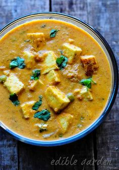 Matar Paneer Recipe - Mattar Paneer - How to Make Mutter Paneer Masala - Edible Garden Side Dish Recipes, Veggie Recipes, Indian Food Recipes, Asian Recipes, Crockpot Recipes, Soup Recipes, Diet Recipes, Vegetarian Recipes, Cooking Recipes