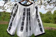 Imagini pentru modele ie Embroidery Designs, Ethnic, Tie Dye, Romania, Beauty, Tops, Women, Fashion, Moda